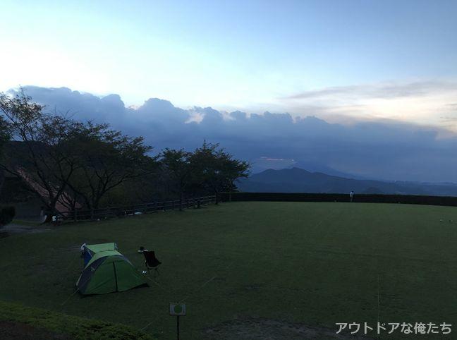 八重山キャンプ場の朝日