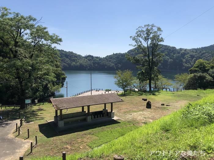 住吉池公園キャンプ村のテントサイト