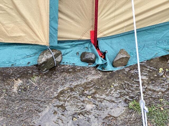 テントと雨